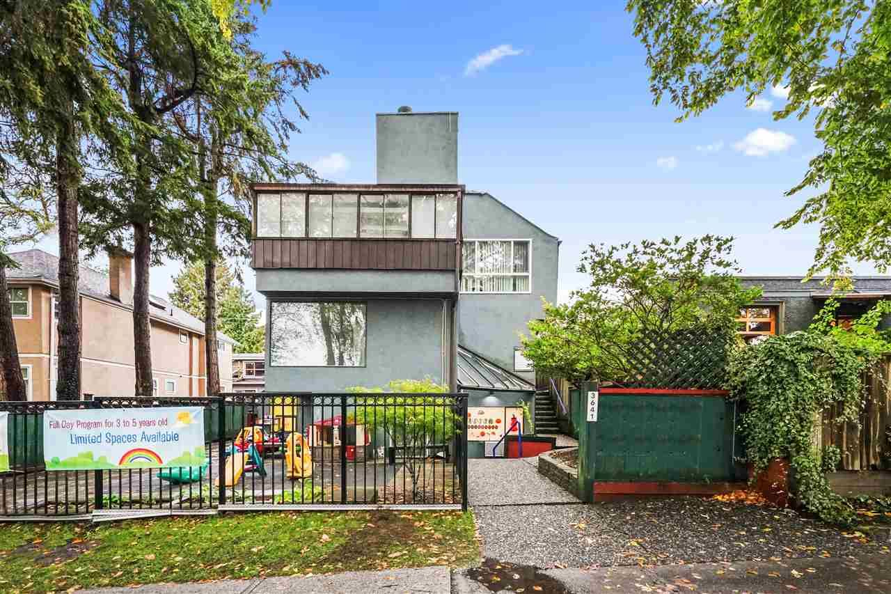 Main Photo: 201 3641 W 29TH Avenue in Vancouver: Dunbar Townhouse for sale (Vancouver West)  : MLS®# R2549344
