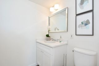 """Photo 14: 902 2288 W 40TH Avenue in Vancouver: Kerrisdale Condo for sale in """"Kerrisdale Parc"""" (Vancouver West)  : MLS®# R2363807"""