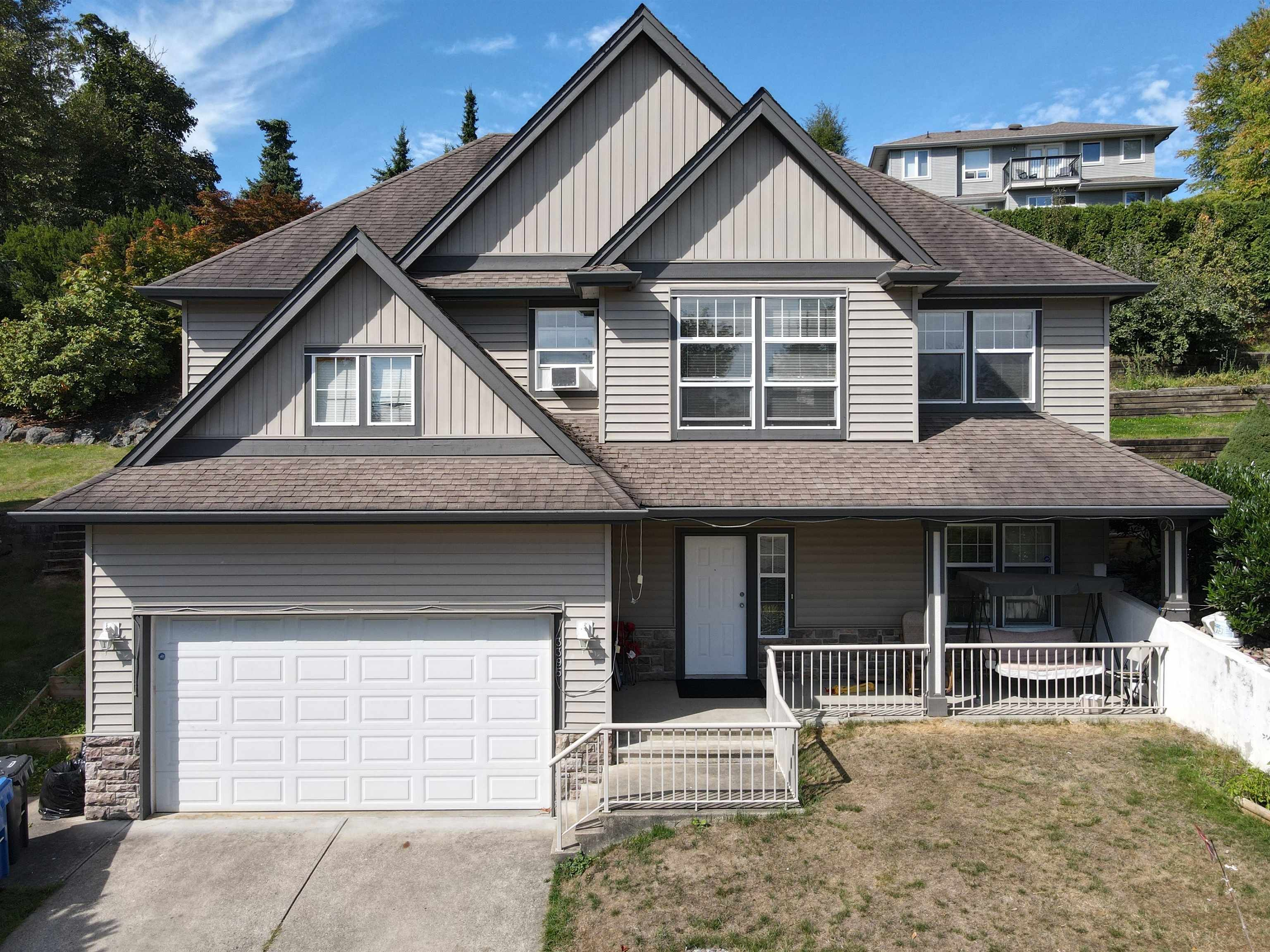 Main Photo: 3395 PROMONTORY Crescent in Abbotsford: Abbotsford West House for sale : MLS®# R2615749