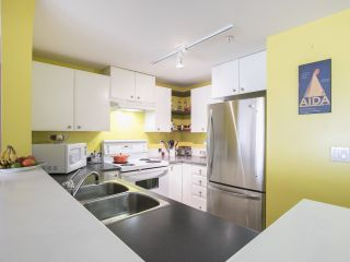 """Photo 10: 301 6833 VILLAGE 221 in Burnaby: Highgate Condo for sale in """"CARMEL"""" (Burnaby South)  : MLS®# R2195650"""