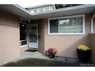 Photo 2: 35 3049 Brittany Dr in VICTORIA: Co Sun Ridge Row/Townhouse for sale (Colwood)  : MLS®# 683603