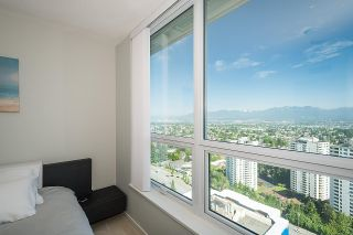 """Photo 10: 3101 5883 BARKER Avenue in Burnaby: Metrotown Condo for sale in """"ALDYNNE ON THE PARK"""" (Burnaby South)  : MLS®# R2372659"""