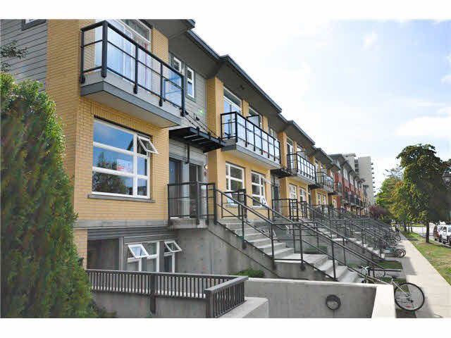 """Photo 12: Photos: 207 5568 KINGS Road in Vancouver: University VW Townhouse for sale in """"GALLERIA"""" (Vancouver West)  : MLS®# V1087874"""