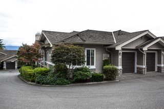 """Photo 3: 27 35537 EAGLE MOUNTAIN Drive in Abbotsford: Abbotsford East Townhouse for sale in """"Eaton Place"""" : MLS®# R2105071"""