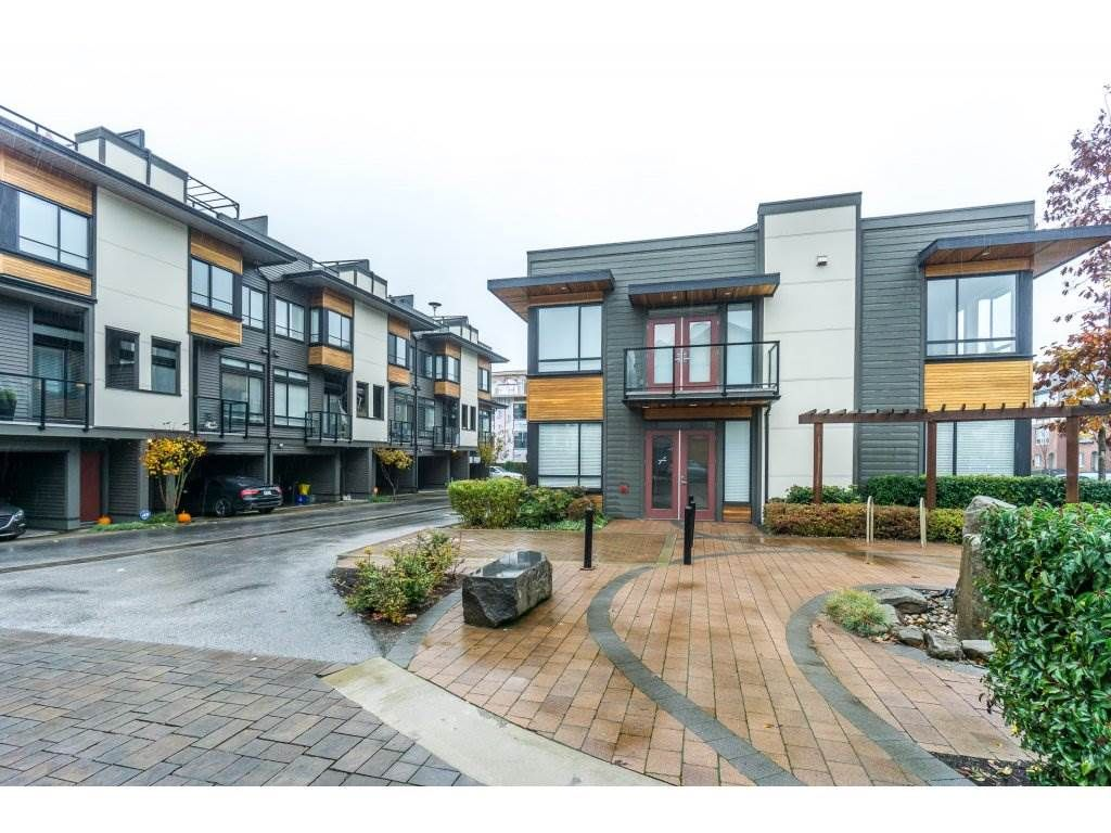 Main Photo: 6 7811 209 Street in Langley: Willoughby Heights Townhouse for sale : MLS®# R2320054