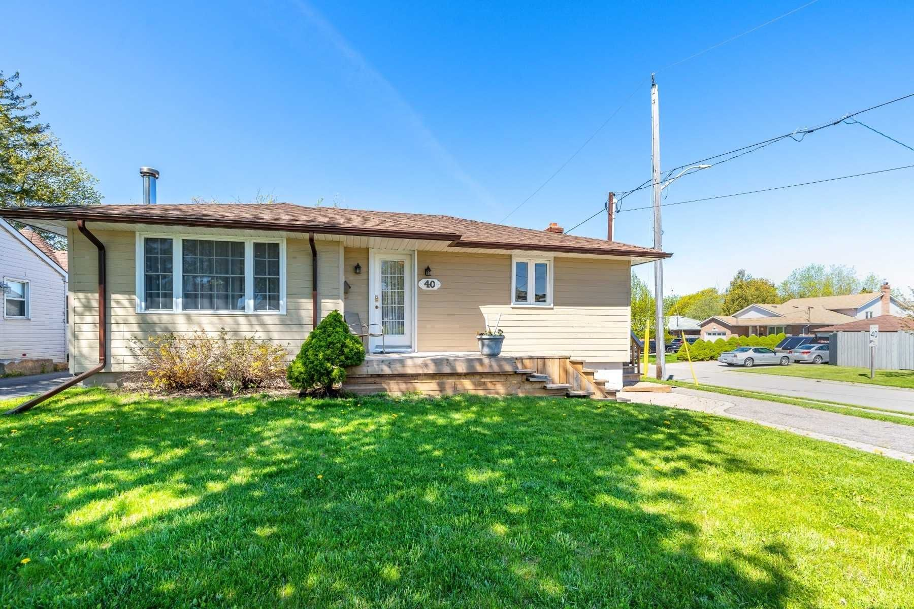 Photo 1: Photos: 40 Eastlawn Street in Oshawa: Donevan House (Bungalow) for sale : MLS®# E4769026