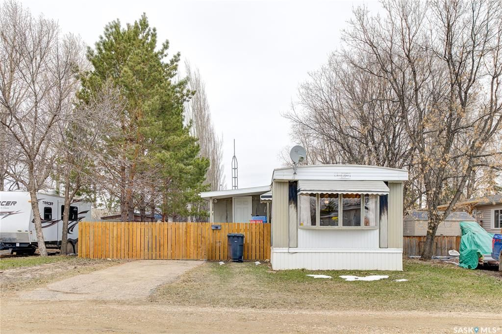 Main Photo: 186 Cottonwood Drive in Sunset Estates: Residential for sale : MLS®# SK850160