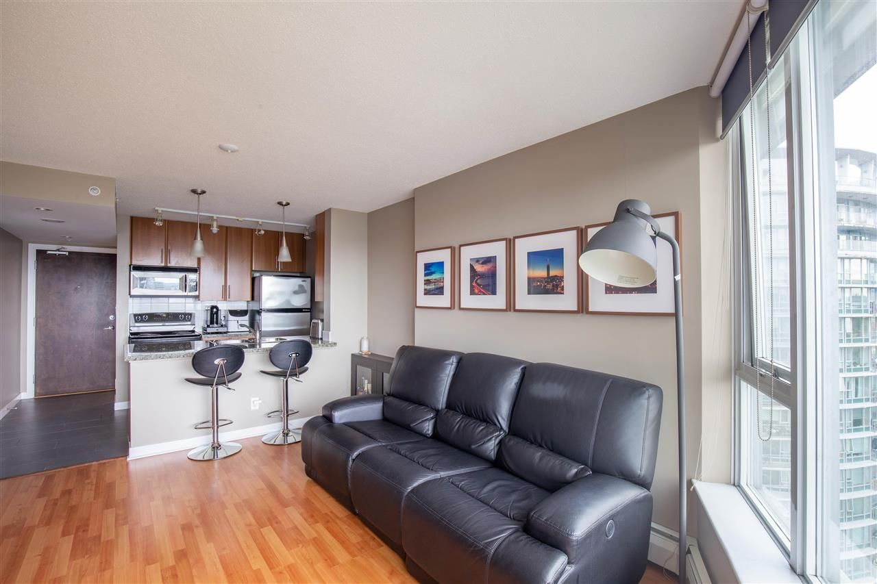 """Photo 3: Photos: 2609 688 ABBOTT Street in Vancouver: Downtown VW Condo for sale in """"FIRENZE ii"""" (Vancouver West)  : MLS®# R2579446"""