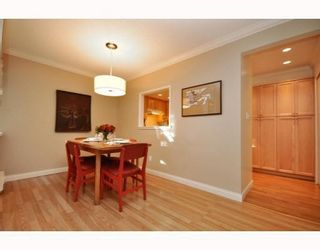 Photo 3: 3402 COPELAND AVENUE in Vancouver East: Home for sale : MLS®# R2133646