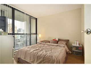 """Photo 8: 2305 928 HOMER Street in Vancouver: Yaletown Condo for sale in """"YALETOWN PARK 1"""" (Vancouver West)  : MLS®# V1023790"""