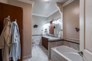 """Photo 10: 56 2533 152 Street in Surrey: Sunnyside Park Surrey Townhouse for sale in """"BISHOPS GREEN"""" (South Surrey White Rock)  : MLS®# R2380377"""