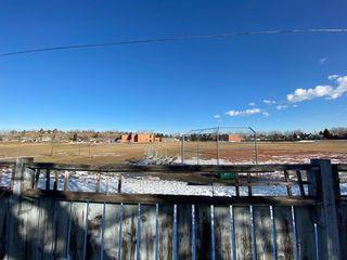 Photo 2: 131 Deer Park Place SE in Calgary: Deer Run Detached for sale : MLS®# A1081690