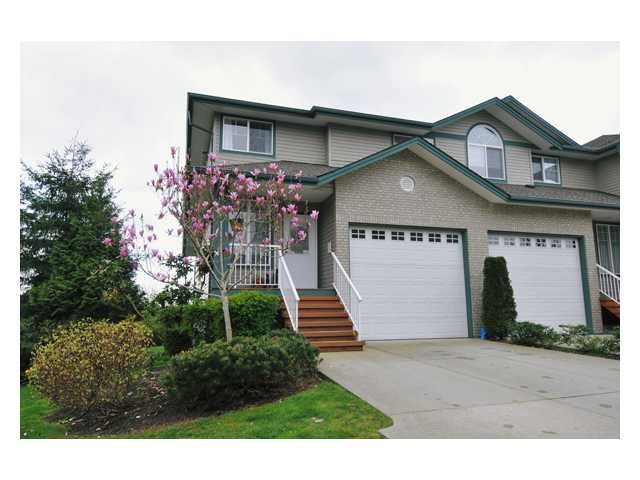 """Main Photo: 24 11358 COTTONWOOD Drive in Maple Ridge: Cottonwood MR Townhouse for sale in """"CARRIAGE LANE"""" : MLS®# V820880"""