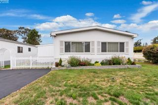 Photo 2: 9 1536 Middle Rd in VICTORIA: VR Glentana Manufactured Home for sale (View Royal)  : MLS®# 822417