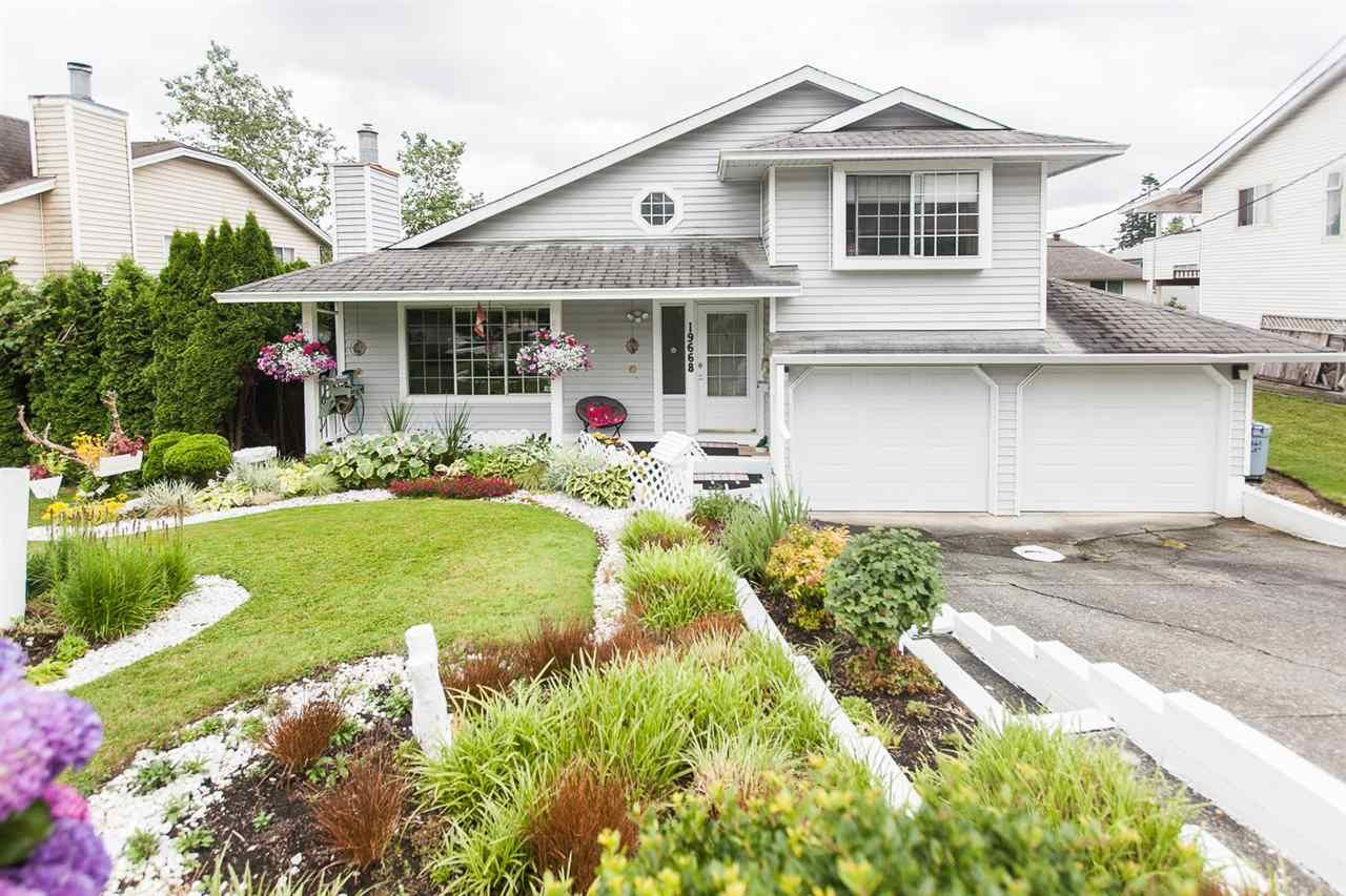 Main Photo: 19668 68 Avenue in Langley: Willoughby Heights House for sale : MLS®# R2084070