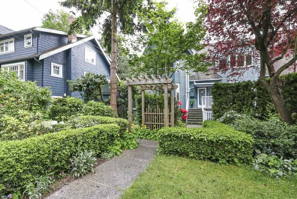 Main Photo: 2626 W 2ND Avenue in Vancouver: Kitsilano 1/2 Duplex for sale (Vancouver West)  : MLS®# R2377448