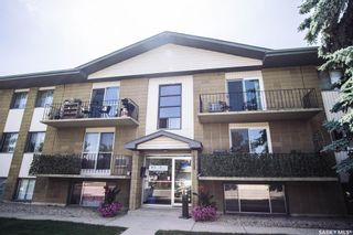 Main Photo: 15 111 ST LAWRENCE Crescent in Saskatoon: River Heights SA Residential for sale : MLS®# SK844818