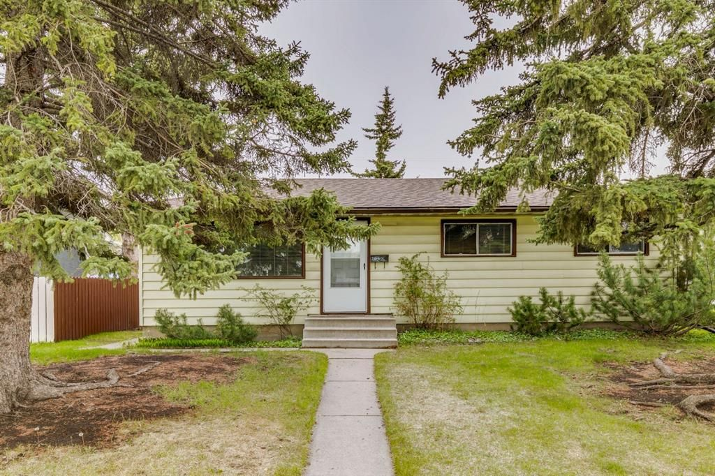 Main Photo: 2506 35 Street SE in Calgary: Southview Detached for sale : MLS®# A1146798