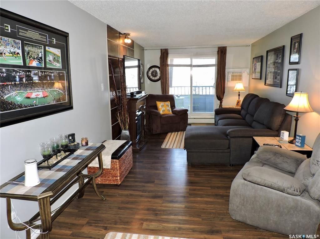 Main Photo: 401 529 X Avenue South in Saskatoon: Meadowgreen Residential for sale : MLS®# SK846376