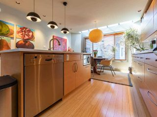 """Photo 12: 1674 ARBUTUS Street in Vancouver: Kitsilano Townhouse for sale in """"Arbutus Court"""" (Vancouver West)  : MLS®# R2561294"""