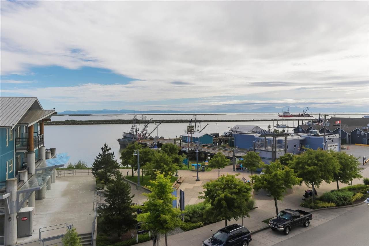 "Photo 16: Photos: 402 4111 BAYVIEW Street in Richmond: Steveston South Condo for sale in ""THE VILLAGE"" : MLS®# R2468998"