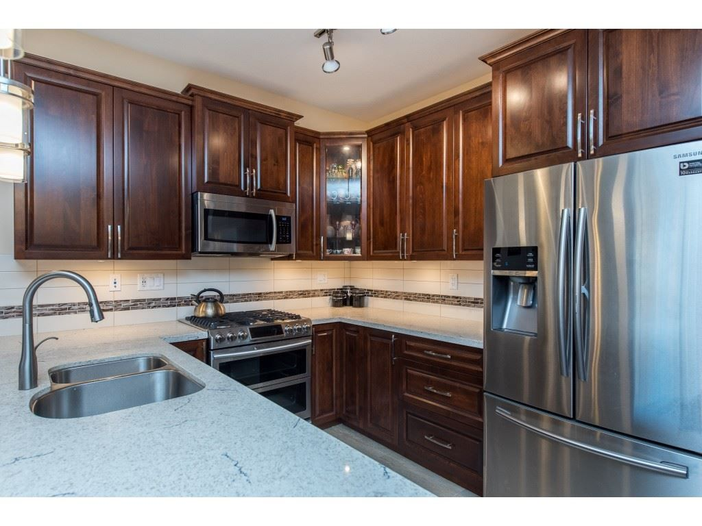 """Photo 10: Photos: A110 20716 WILLOUGHBY TOWN CENTRE Drive in Langley: Willoughby Heights Condo for sale in """"Yorkson Downs"""" : MLS®# R2491391"""