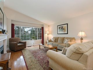Photo 5: 1 901 Kentwood Lane in VICTORIA: SE Broadmead Row/Townhouse for sale (Saanich East)  : MLS®# 835547