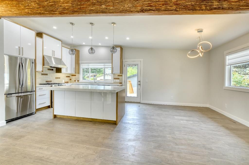 Photo 5: Photos: 12019 Canaveral Road SW in Calgary: Canyon Meadows Detached for sale : MLS®# A1126440