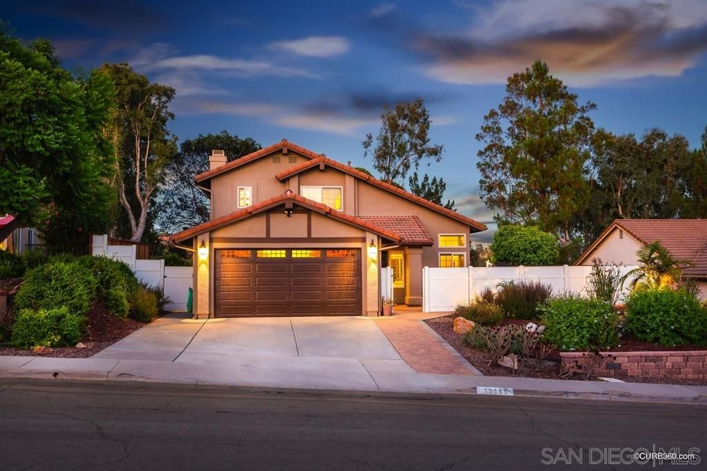 Main Photo: SCRIPPS RANCH House for sale : 4 bedrooms : 10685 Frank Daniels Way in San Diego