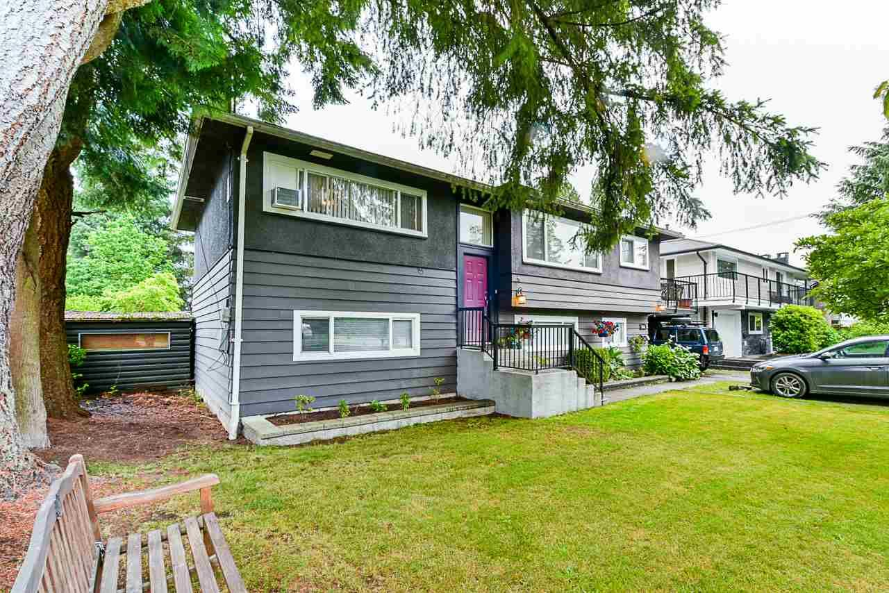 Main Photo: 3664 CEDAR Drive in Port Coquitlam: Lincoln Park PQ House for sale : MLS®# R2466154