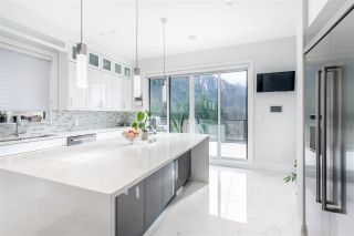 """Photo 5: 2237 WINDSAIL Place in Squamish: Plateau House for sale in """"Crumpit Woods"""" : MLS®# R2586492"""