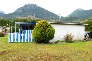 """Photo 4: 29 39768 GOVERNMENT Road in Squamish: Northyards Manufactured Home for sale in """"THREE RIVERS"""" : MLS®# R2051629"""