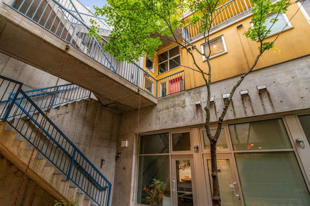 Main Photo: G 489 W 6TH AVENUE in Vancouver: False Creek Condo for sale (Vancouver West)  : MLS®# R2512554