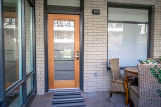 "Photo 2: 312 77 WALTER HARDWICK Avenue in Vancouver: False Creek Condo for sale in ""KAYAK"" (Vancouver West)  : MLS®# R2156180"