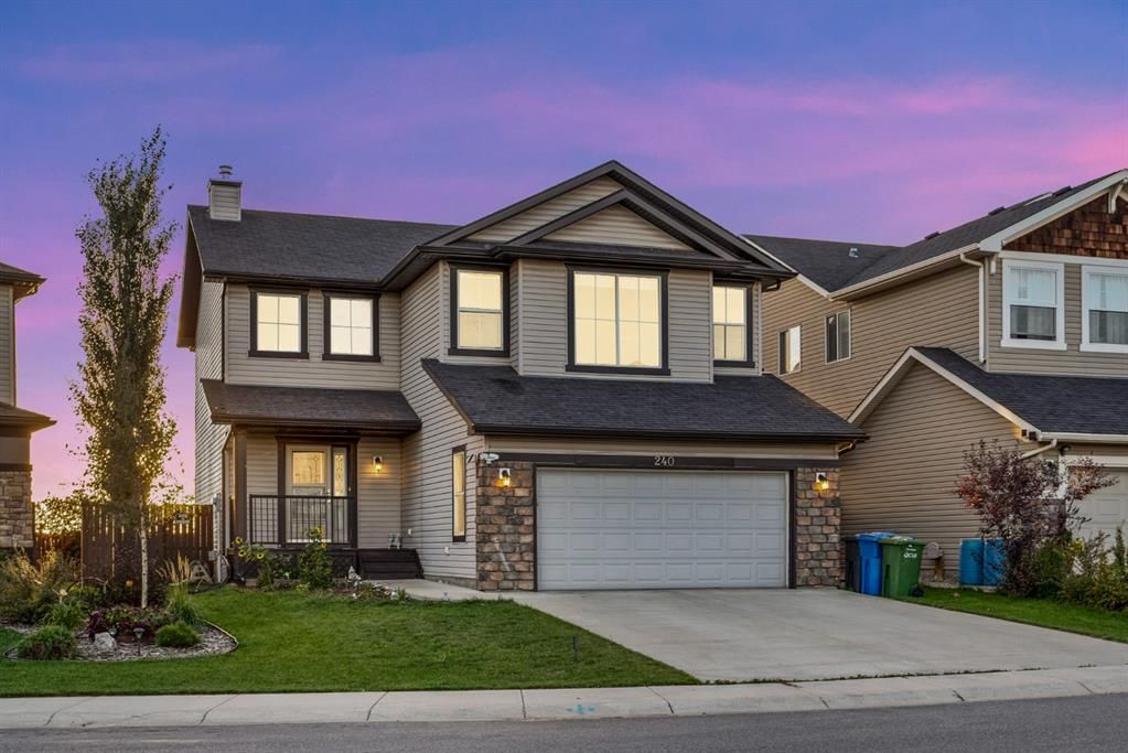 Main Photo: 240 Hawkmere Way: Chestermere Detached for sale : MLS®# A1147898