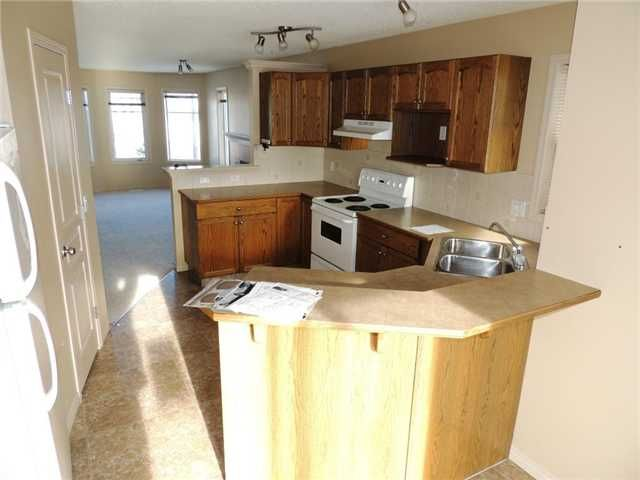 Photo 5: Photos: 121 West Lakeview Crescent: Chestermere Residential Detached Single Family for sale : MLS®# C3549761