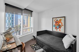 """Photo 12: 1210 68 SMITHE Street in Vancouver: Downtown VW Condo for sale in """"ONE Pacific"""" (Vancouver West)  : MLS®# R2405438"""