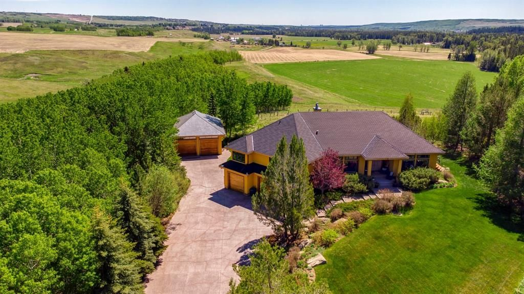 Main Photo: 30149 River Ridge Drive in Rural Rocky View County: Rural Rocky View MD Detached for sale : MLS®# A1096195