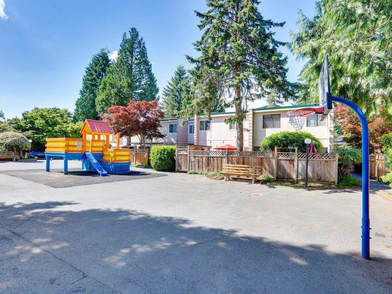 """Photo 21: Photos: 21 10585 153 Street in Surrey: Guildford Townhouse for sale in """"Guildford Mews"""" (North Surrey)  : MLS®# R2593242"""