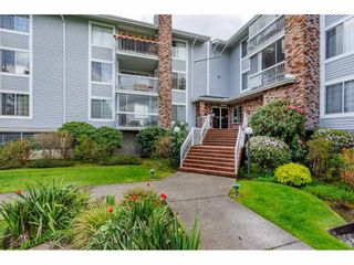 "Photo 5: 106 5379 205 Street in Langley: Langley City Condo for sale in ""Heritage Manor"" : MLS®# R2571223"