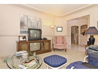 """Photo 4: 6 9163 FLEETWOOD Way in Surrey: Fleetwood Tynehead Townhouse for sale in """"Fountains of Guildford"""" : MLS®# F1323715"""
