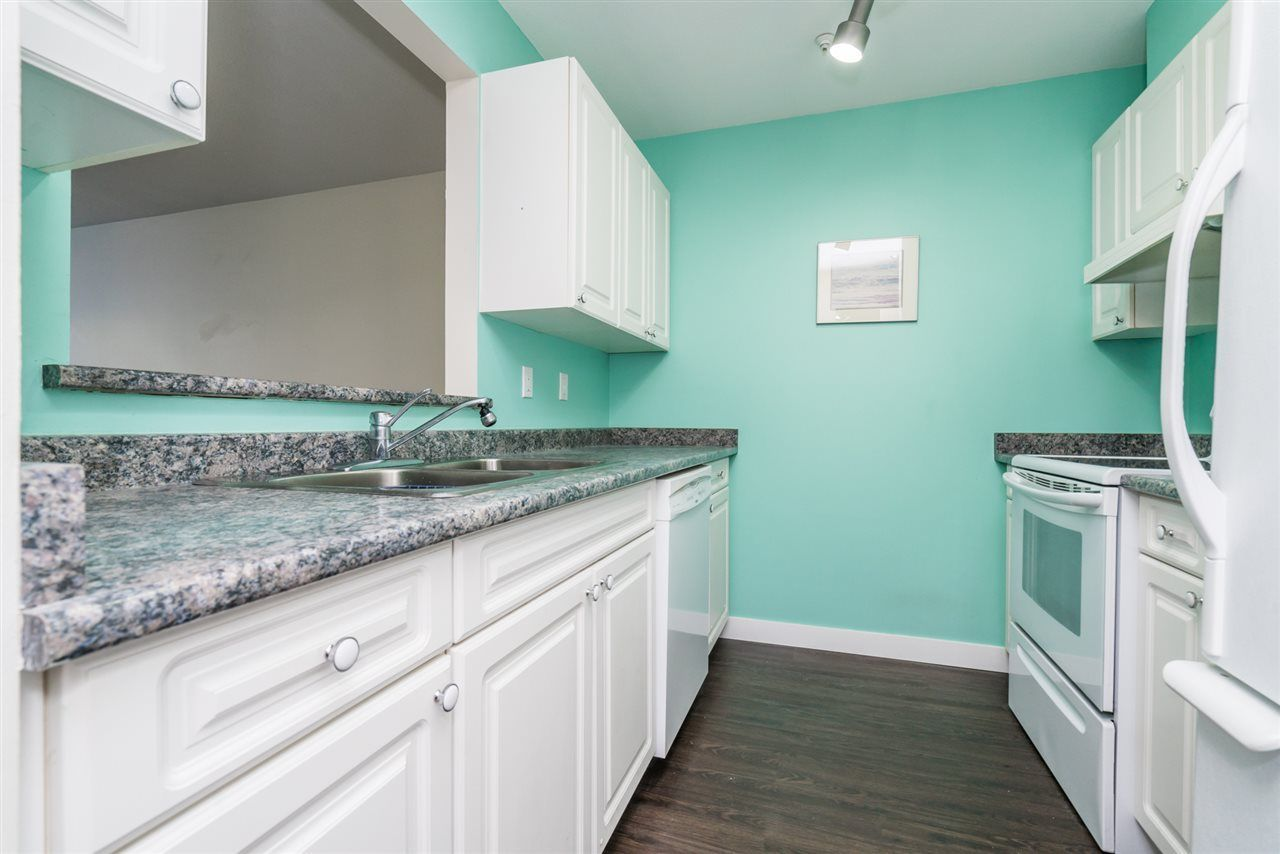 "Photo 8: Photos: 111 14885 100TH Avenue in Surrey: Guildford Condo for sale in ""the Dorchester"" (North Surrey)  : MLS®# R2295694"