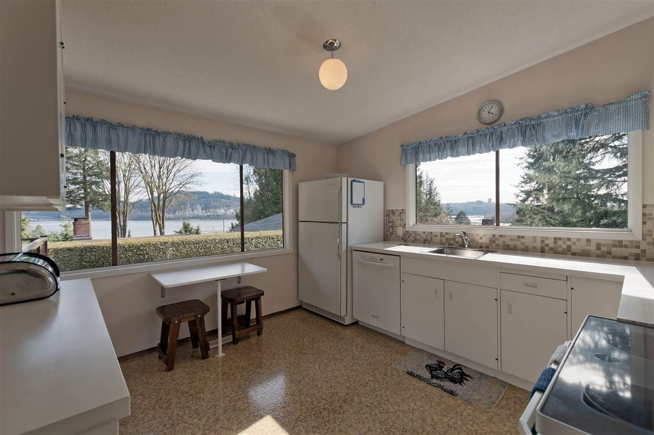 Photo 7: Photos: 2923 EDDYSTONE Crescent in North Vancouver: Windsor Park NV House for sale : MLS®# R2253154