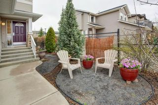 Photo 3: 82 COUGARSTONE Close SW in Calgary: Cougar Ridge Detached for sale : MLS®# C4295852