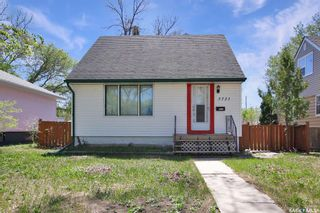 Photo 1: 3721 Caen Avenue in Regina: River Heights RG Residential for sale : MLS®# SK855375
