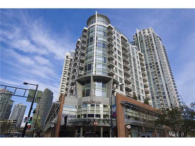 "Main Photo: 801 189 DAVIE Street in Vancouver: False Creek North Condo for sale in ""AQUARIUS III"" (Vancouver West)  : MLS®# V874620"