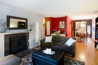 """Photo 4: 11712 KINGSBRIDGE Drive in Richmond: Ironwood Townhouse for sale in """"KINGSWOOD DOWNES"""" : MLS®# V968100"""