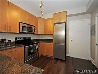 Photo 2: 302 21 Conard St in : VR Hospital Condo for sale (View Royal)  : MLS®# 569636