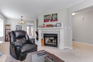 Photo 5: 5915 49 AVENUE in Delta: Hawthorne House for sale (Ladner)  : MLS®# R2236761
