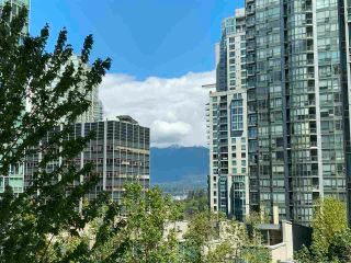 """Photo 11: 405 1200 ALBERNI Street in Vancouver: West End VW Condo for sale in """"Palisades"""" (Vancouver West)  : MLS®# R2583731"""